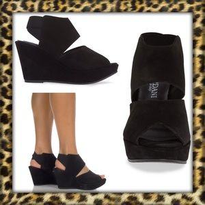 NEW CORDANI Rochelle Sandal Size 40